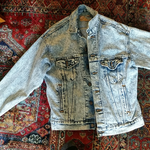 1980s? Levi's light acid wash denim jacket
